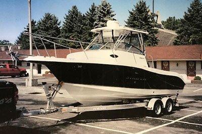 2004 Seaswirl STRIPER 205 24 ft