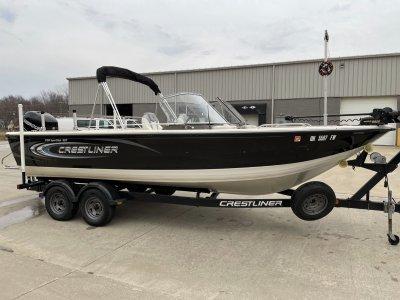2010 Crestliner Sportfish 2150 SST 23 ft