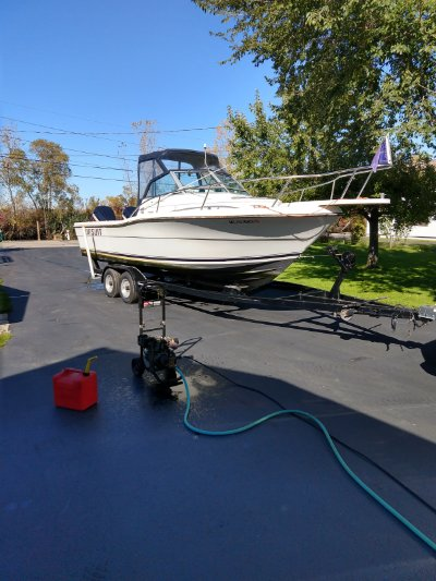1989 Pursuit 2350 cuddy cabin outboard 23 ft