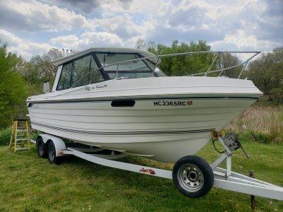 1995 Thompson 240 fisherman 24 ft