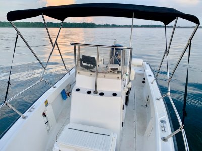 1998 Boston Whaler 17 Outrage II 17 ft | Gasoline