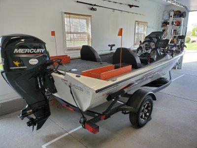 2020 Tracker 175TXW TOURNAMENT EDITION 18 ft   Lake Erie