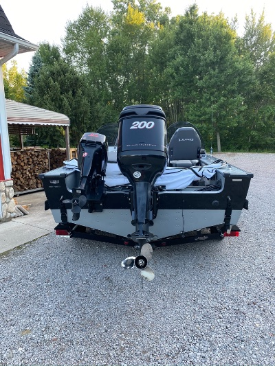 1999 Lund Pro-V 21 ft   Walleye, Bass, Trout, Salmon Fishing Boat