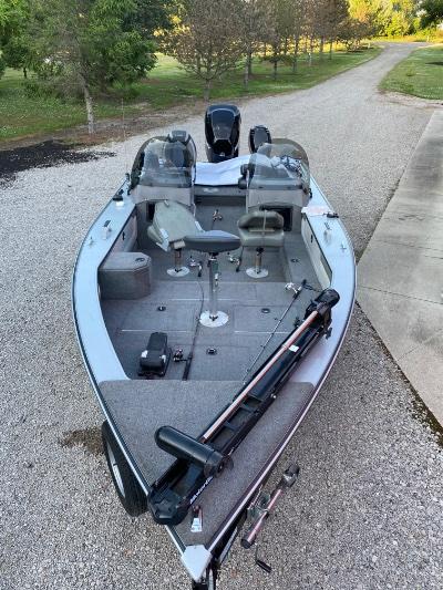 1999 Lund Pro-V 21 ft   Howell, Michigan