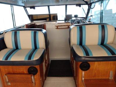 1988 Baha Cruisers 260 Weekender 26 ft   Walleye, Bass, Trout, Salmon Fishing Boat