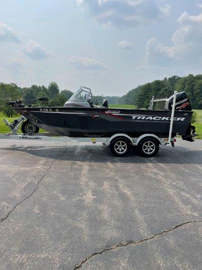2017 Tracker Targa 20W/T 20 ft | Walleye, Bass, Trout, Salmon Fishing Boat