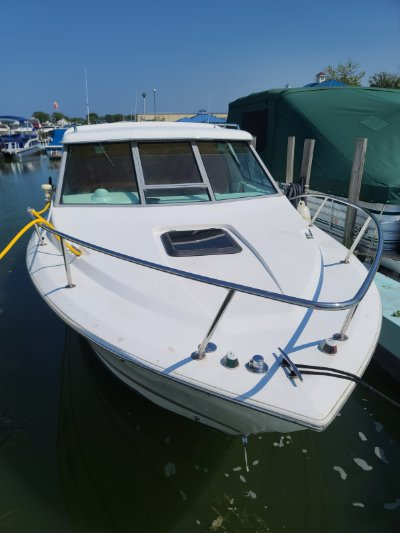 2000 Sportcraft 252 fisherman 25 ft