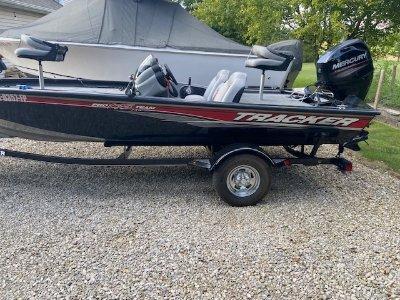 2016 Tracker Pro 175 TXW 18 ft | Walleye, Bass, Trout, Salmon Fishing Boat